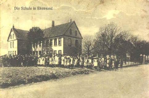 1885 byggedes saa den gamle skole i egernsund